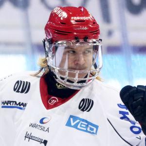 Mika Partanen jublar i Sport.