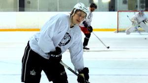 Alex Lintuniemi, ishockeyback