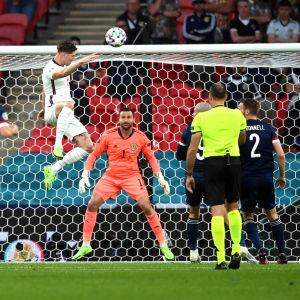 John Stones prickade målramen och lyckades inte näta.