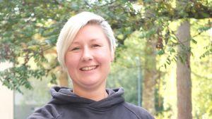 Matilda åberg jobber med turism och sociala medier i Pargas