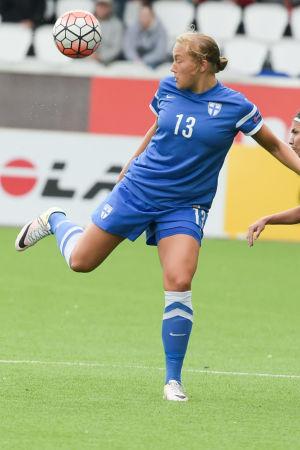 Jenny Danielsson i en landskamp mot Portugal.