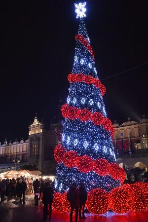 Julgran i Krakow i Polen.