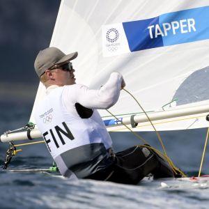 Kaarle Tapper seglar.