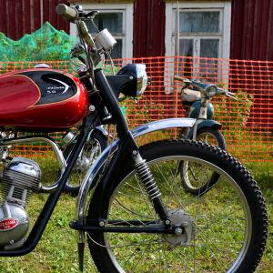 En Helkama Vasama fyrtaktsmoped från år 1963