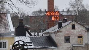Klockan på skorstenen i Billnäs