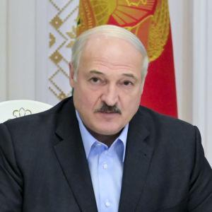 Belarus president Aleksandr Lukasjenko under ett möte med ledare för landets säkerhetstjänster den 12 september.