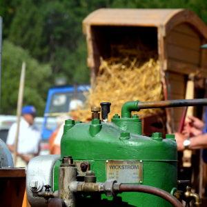 Landmotor och tröskverk