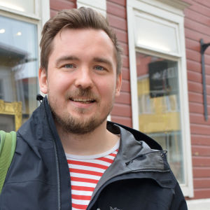 glad man i gamla stan i Borgå
