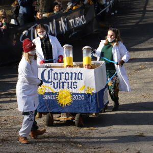 En pulka med texten Corona virus.