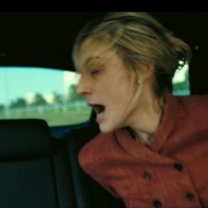 Elizabeth Debicki Tenet-elokuvassa.
