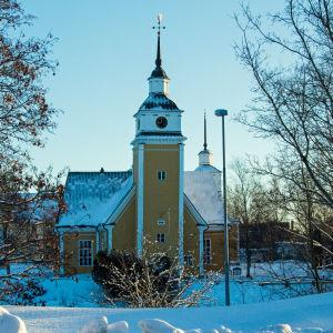 Nykarleby kyrka i vintertid.