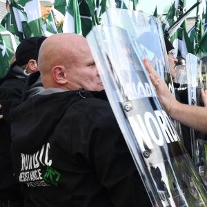 Nordiska motståndsrörelsen demonstrerar i Göteborg den  30 september 2017.