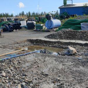 Vesiputken korjaustyöt Kangasniemellä.