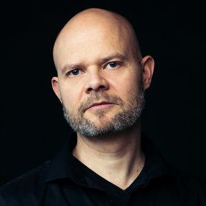 MOT:n kuvaaja-leikkaaja Janne Järvinen.