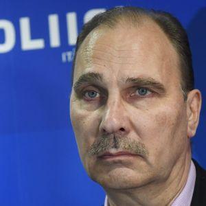 Kriminalkommissarie Olli Töyräs, Centralkriminalpolisen.