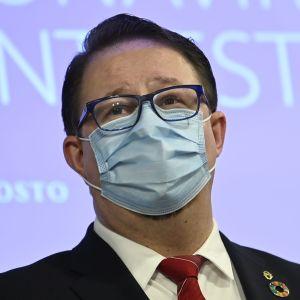 Mika Salminen, chef vid Institutet för hälsa och välfärd, under hälsomyndigheternas presskonferens om coronaläget den 11 februari 2021.