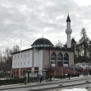 Fittja moskéen och minareten.