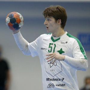 Alexander Qvist spelar handboll.