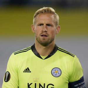 Leicesters danske målvakt Kasper Schmeichel får inte vakta målet mot Sverige.