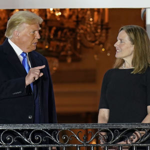 USA:s president Donald Trump och domaren Amy Coney Barrett