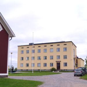 Lagmansgården.