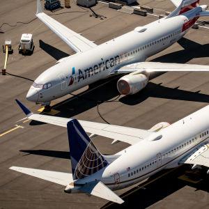 Flera Boeing 737 Max 8-flygplan på marken på grund av flygförbud.