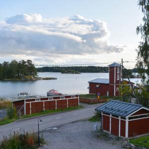 Utsikten från Gumbohuset en vacker septemberkväll, hav, båtar, FBK.s röda torn.