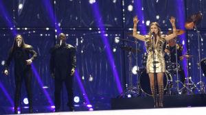 Storbritanniens Molly på Eurovisionsscenen.