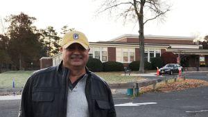Mehrad Rafizadeh röstade i en skola i Summit New Jersey.