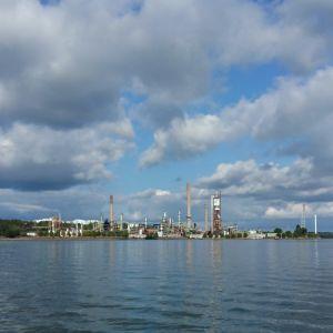 Nestes oljeraffinaderi i Nådendal.