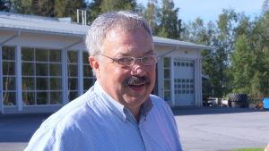 De glada minerna till trots är Stefan Thölix och Mats Nylund djupt oroad för det finska jordbruket.