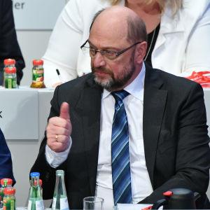 Tyska SPD-ledare Andrea Nahles och Martin Schulz