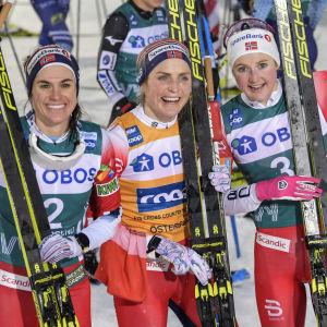 Heidi Weng, Therese Johaug och Ingvild Flugstad Østberg fick fira i Östersund i februari.
