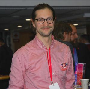 Eliel Kilpelä på Vänsterförbundets partimöte i Kuopio.