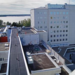 Vaasan keskussairaalan rakenteilla olevan H-talon tunneli päärakennukseen