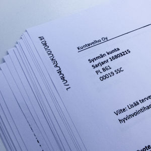 Kuvassa konsultin lähettämiä laskuja Sysmän kunnalle vuosina 2017–2020.