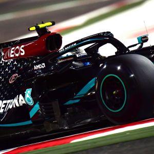 Valtteri Bottas kör F1 i Bahrain.