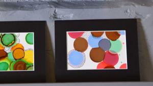 Två små abstrakta tavlor i blandteknik