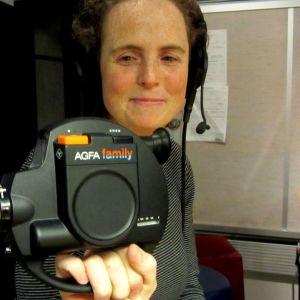 Britt Kootstra med 8mm filmkamera