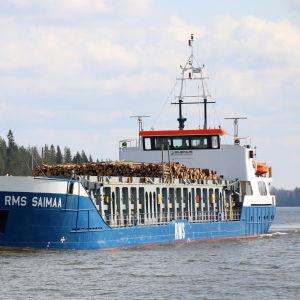 Rahtialus RMS Saimaa Nuijamaalla menossa Saimaan kanavalle