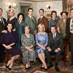 Australialaisen suosikkisarjan Kotiin takaisin tutut hahmot jatkavat elämäänsä viidennen kauden uusissa jaksoissa.