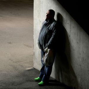 Bosnian sodan julmuuksiin syyllistynyt Esad kärsi sotarikostuomionsa Suomessa. Hän etsii anteeksiantoa.