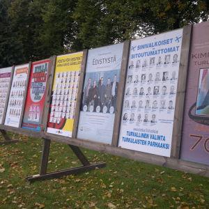 Valplakaten i Åbo vid kommunalvalet 2012.
