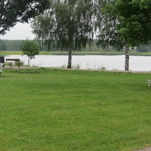 Parkbänkar i Strandparken i Lovisa