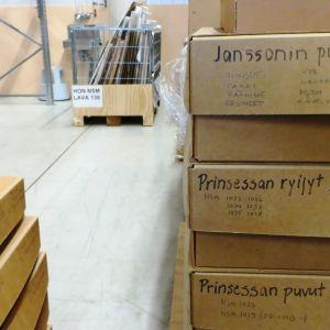 lådor i lager