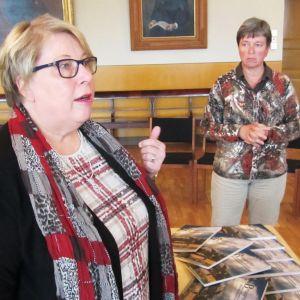 Lektor Bodil Lund och rektor Monica Johansson vid Borgå gymnasium