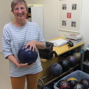 Maria Malin ska inte börja med bowling i MI - kloten ska bli mosaikarbeten