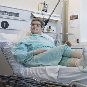 Ritva Hämäläinen potilaana Etelä-Karjalan keskussairaalassa.