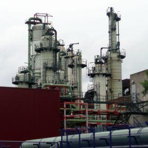Ett oljeraffnaderi i Finland.