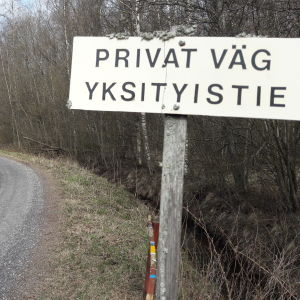 Privat väg i Djupsten i Nykarleby